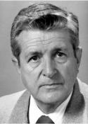 1954 Héctor Cifuentes Aguirre (6 de junio de 1926 - )