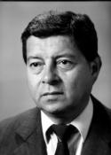 1988 Carlos Humberto Pontaza Izeppi () Autor de la columna Sin Reservas, fue jefe de la sección Deportes, de Prensa Libre