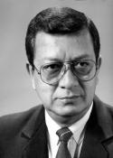 1990 (1) Edgar Francisco Gudiel Lemus (), Director de radio nacional TGW