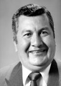 1990 (2) Marco Vinicio Velásquez Herrera (5 de junio de 1941 - ), presidente  de abril hasta finalizar el período 1990. Corresponsal de la agencia internacional de noticias, United Press International, UPI, sección radio noticias; jefe de relaciones públicas de la Confederación Deportiva Autónoma de Guatemala, CDAG; coordinador de deportes de radio nacional TGW; actualmente trabaja en Radio Cadena Sonora.