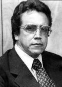 1998 Eduardo P. Villatoro (13 de octubre de 1937 - ), autor de la columna Palabras de Papel, publicada en diario La Hora (3 de octubre de 2010)