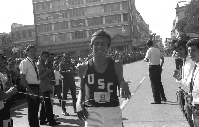 Julio -Grillo- Quevedo ganando en 1975 -