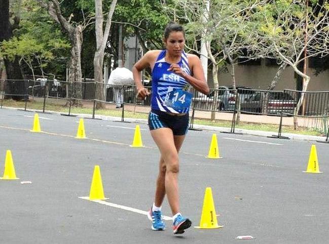 Cristina Esmeralda López, de El Salvador, 0302 22013 (atletismocadica.org).