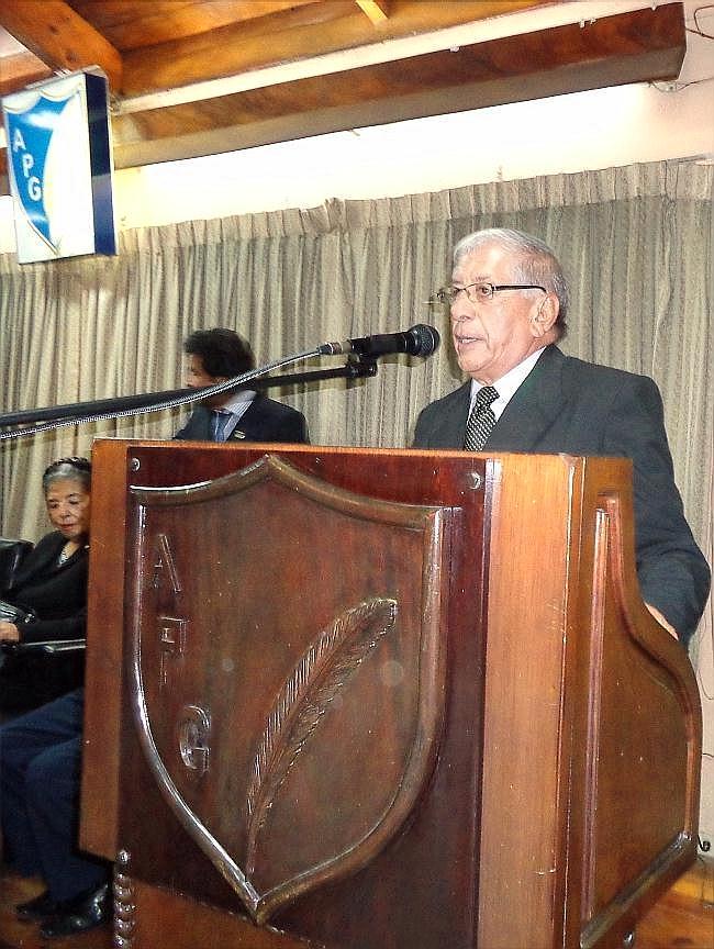 Jaime R. Córdova Palacios, autor de la letra del Himno a la APG jtp --10042014).