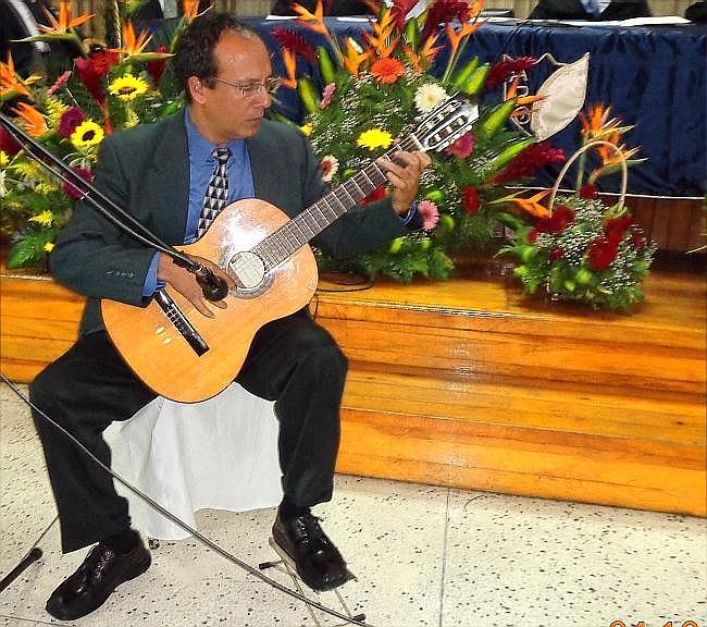 Pedro Lázaro -guitarrista cubano  (jtp -10042013).