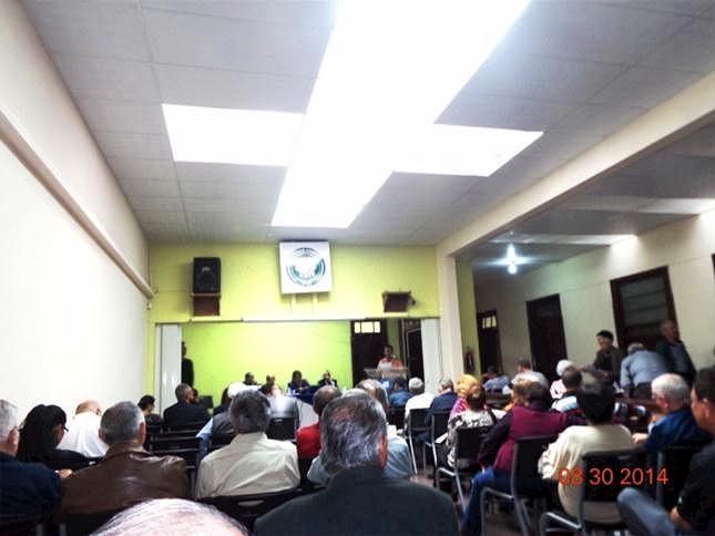 ASAMBLEISTAS SALON AMBIENTE RESTAURADO- U -DSC01051