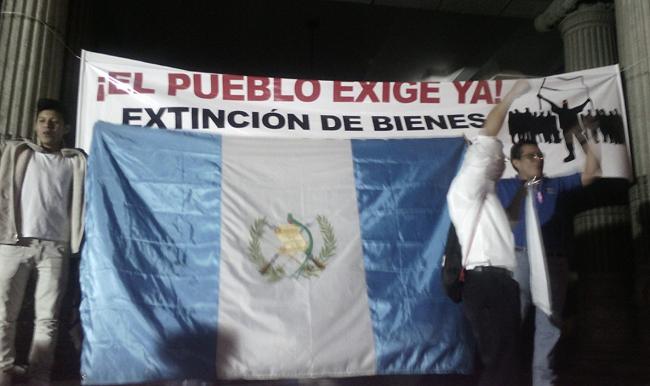 EL PUEBLO EXIGE YA