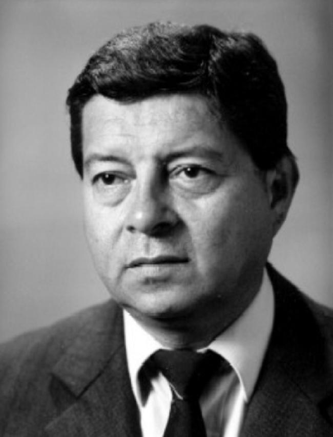 CARLOS H. PONTAZA IZEPPI  ACD 1987 1988