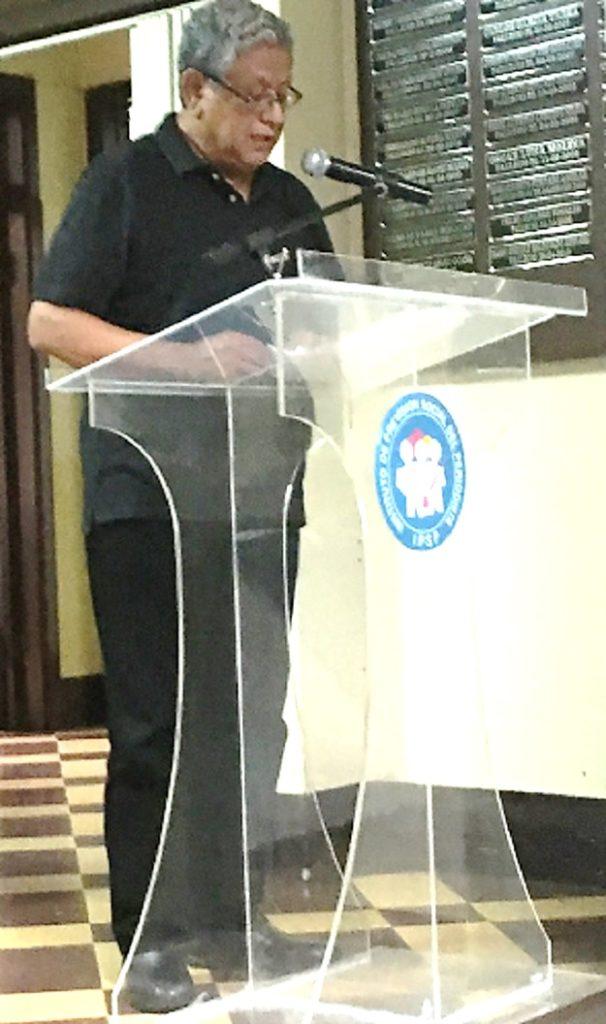 La lectura del acta ordinaria del 29 de mayo pasado estuvo a cargo del secretario del Consejo Directivo, Alberto Ramírez.